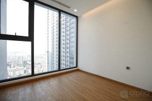 Partly furnished apartment for rent in Vinhomes Metropolis 4